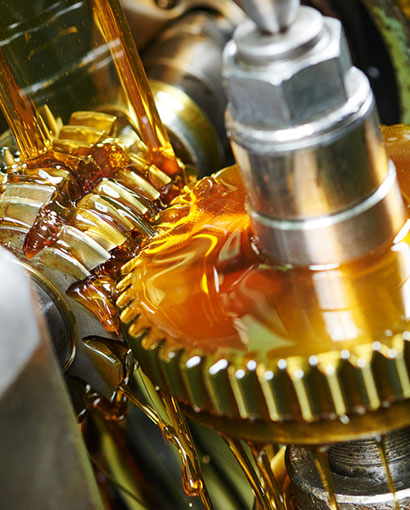 aceite lubricante en boluda industrial