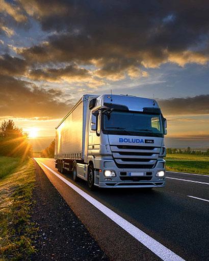 transporte de material de ferretería industrial con boluda industrial